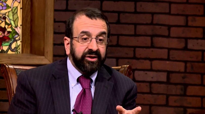 spencer muslim Notorious muslim-basher and pretend expert on islam robert spencer faced a tough crowd earlier this week at stanford university hosted by the stanford college republicans, spencer was unprepared for a peaceful student walkout.