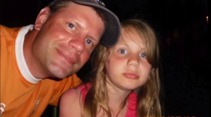 Court Ties Father's Hands as Daughter 'Transitions' to Become 'Boy'