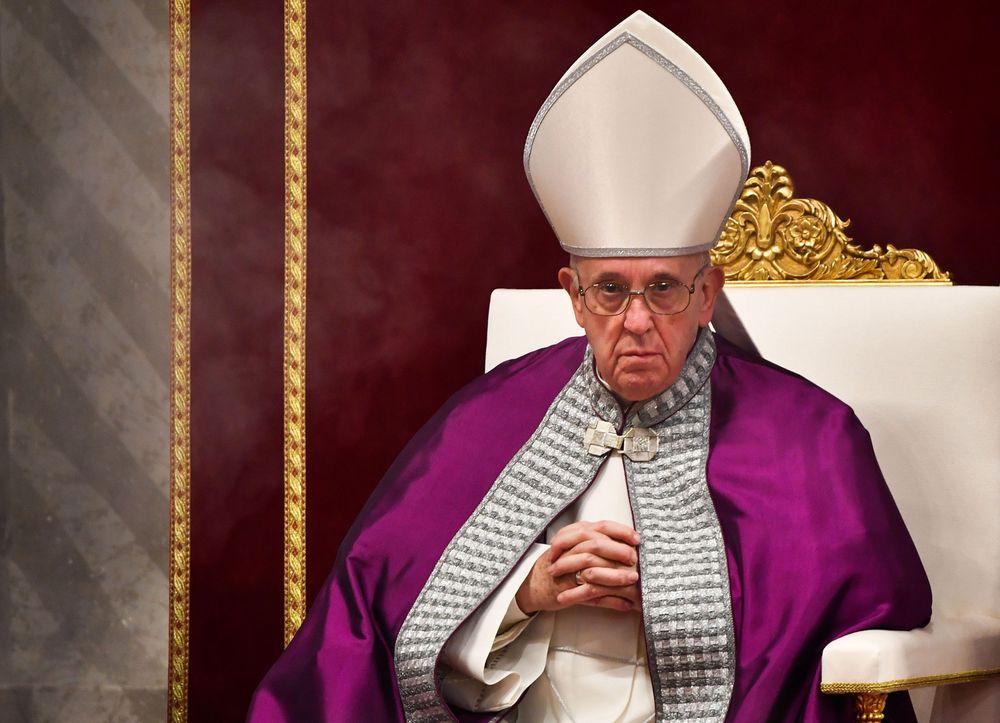 Jésus a vaincu le monde, sauf pour le Vatican ? Pope_francis_6